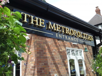 The Metropolitan - Pubs & Traditional Work